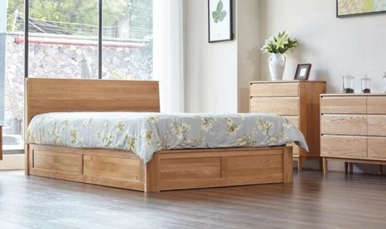 China Family Tall King Size Wooden Bed Base , Solid Wood Queen Bed Frame Eco - Friendly supplier