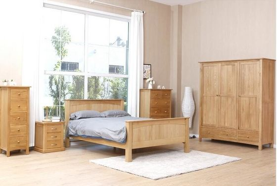 China Commercial Real Solid Wood Platform Bed , Traditional Light Wood Bedroom Furniture factory