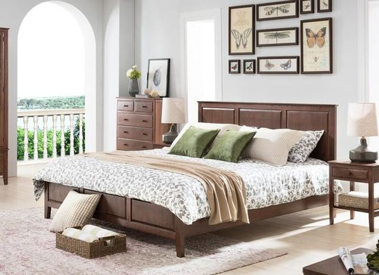 Oak Dark Wood Bedroom Furniture Classical Style , Home Solid Wood Queen Bedroom Set