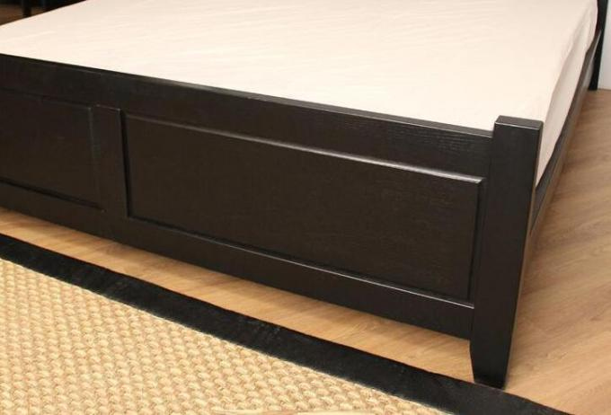 Dark King Size Solid Wood Bed Frame Safe Nontoxic Environment - Friendly For Hotel
